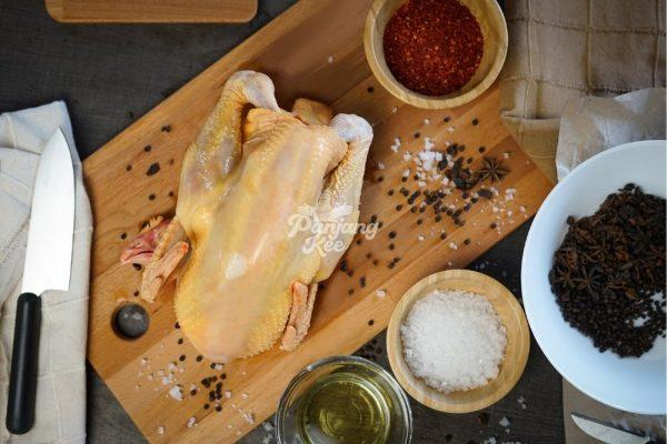 Free Range Chicken Holland Chicken Botak Chicken / Ayam Botak Kampung
